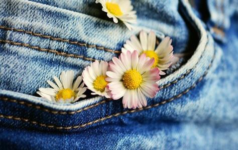 Wie Kleidung uns bei schwierigen Aufgaben dopen kann
