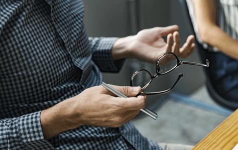 Die Kunst des Kritisierens – 15 Tipps, die helfen!