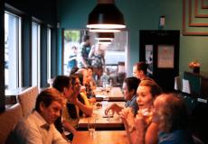 12 Tipps, um leichter Small Talk zu führen